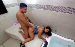 Bruna Lopes tomando no cuzinho